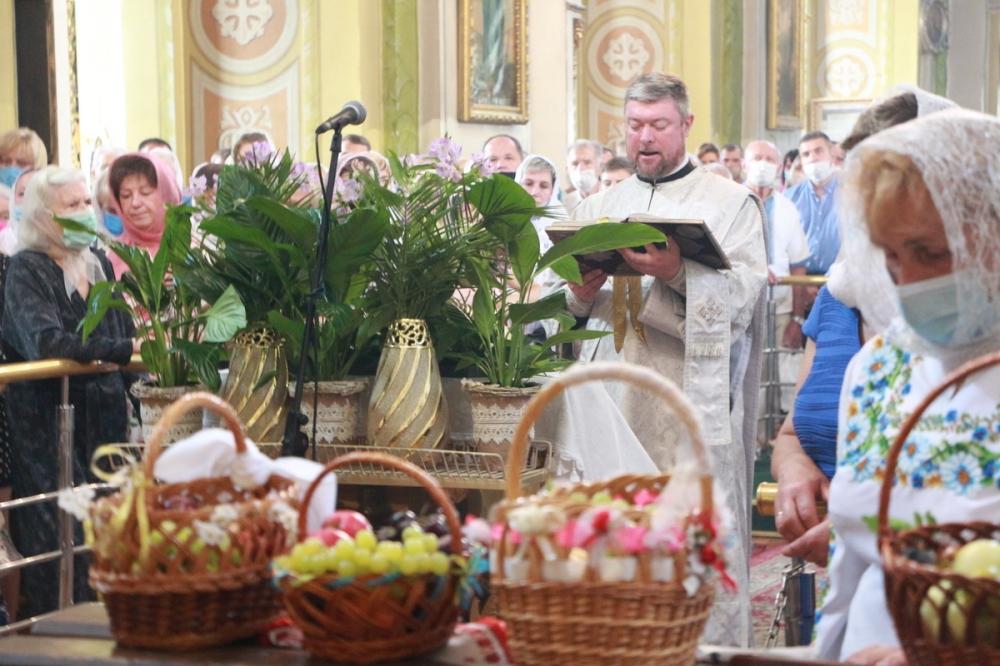 Як лучани освячували плоди у кафедральному соборі Святої Трійці