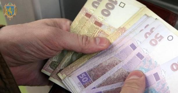 Вдовам загиблих правоохоронців у Луцьку виплатять по тисячі гривень