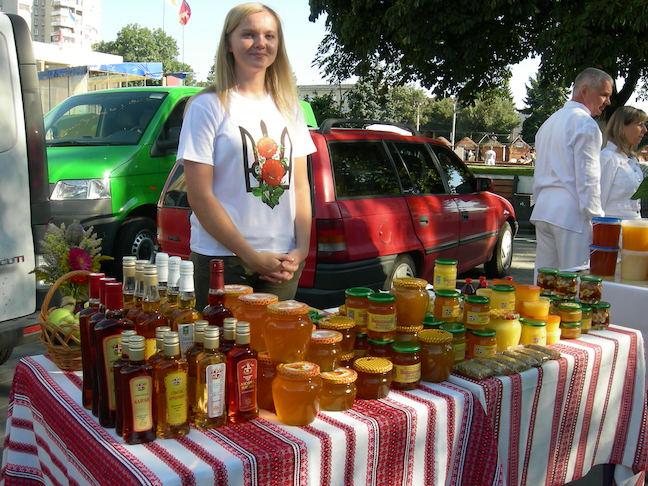У Луцьку організовують ярмарок медової продукції