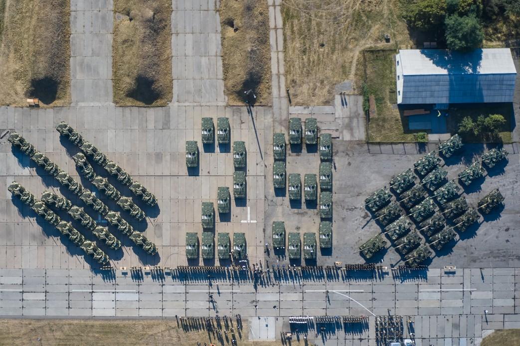 Президент передав ЗСУ 132 одиниці озброєння та техніки