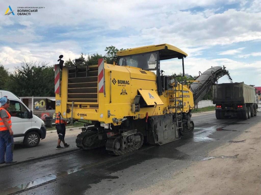 Розпочали ремонт автошляху на під'їзді до Володимира-Волинського