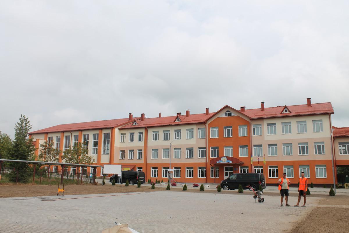 На Волині проінспектували будівництво школи