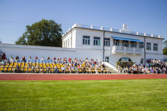 У Нововолинську урочисто відкрили оновлений стадіон