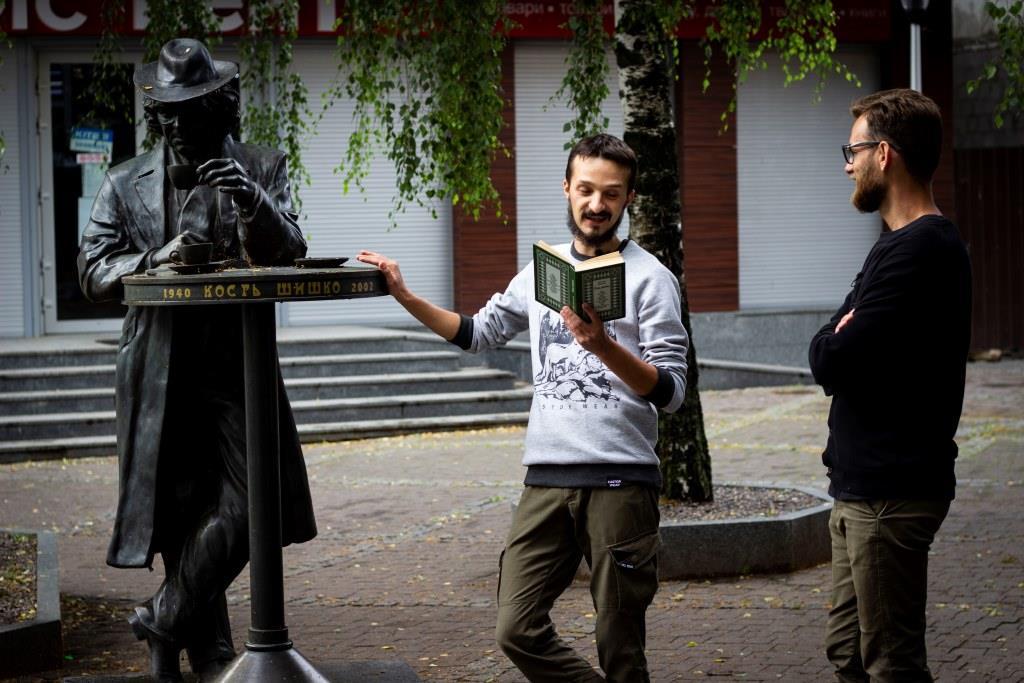 «Фронтера» презентувала відеорозмову про луцького генія Костя Шишка
