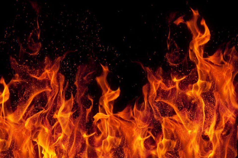 На Волині горіли дві господарські будівлі через необережне поводження з вогнем