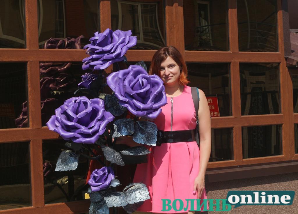 #БізнеСильні: підприємиця Тетяна Михайлецька з Луцького району виготовляє велетенські квіти для усієї України