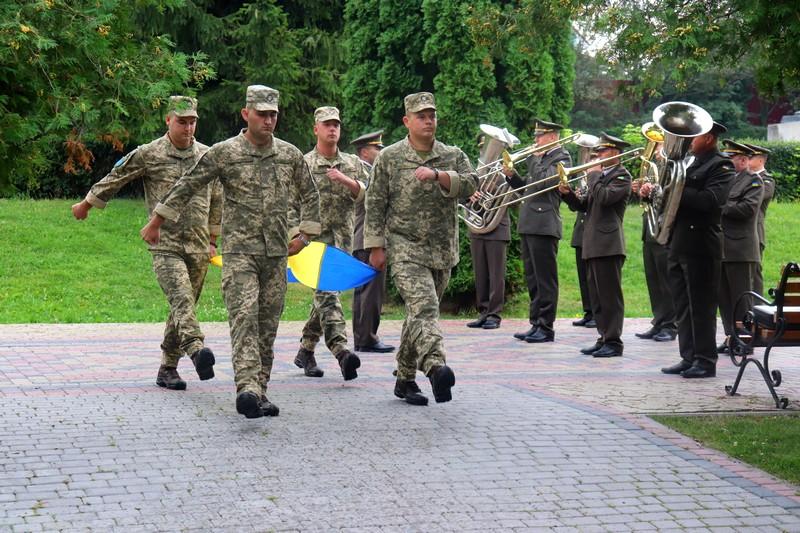 У Володимирі-Волинському урочисто підняли Державний стяг
