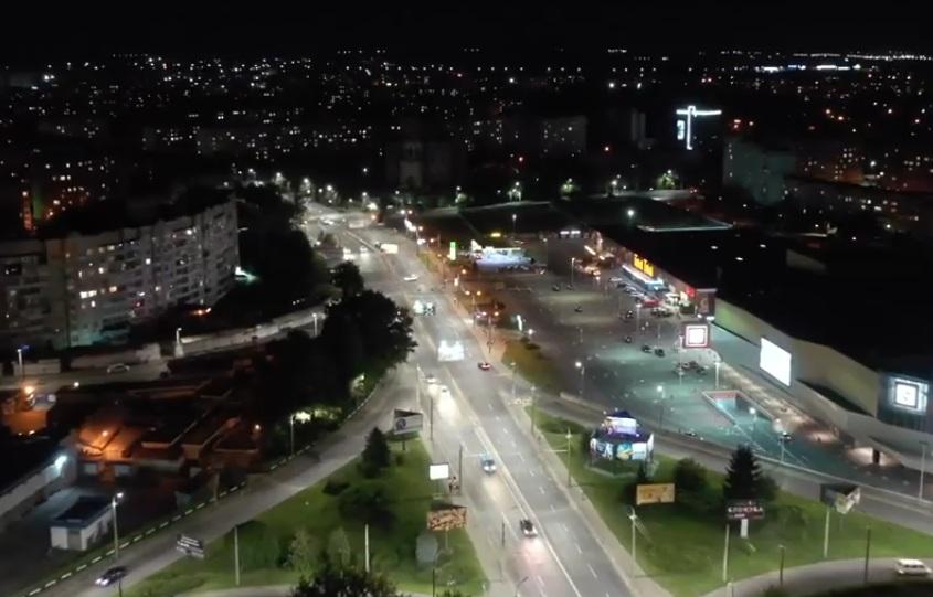 На проспекті Соборності у Луцьку завершили встановлення LED-освітлення
