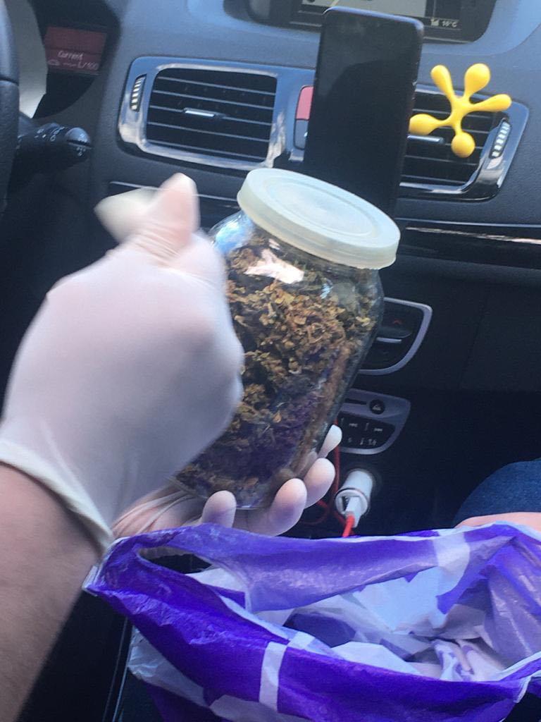 Поліцейський з Волині торгував наркотиками