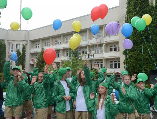 Діти з Нововолинська поїхали до «Артеку»