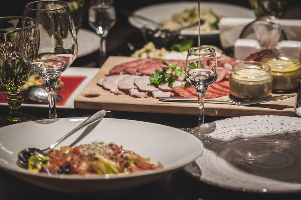Ресторани, паби: де у Луцьку посидіти у культовому закладі