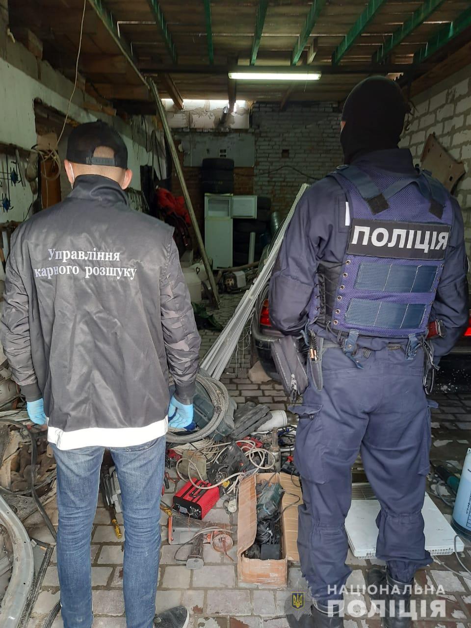 На Волині група осіб обкрадала новобудови: поліція вилучила понад дві вантажівки краденого майна