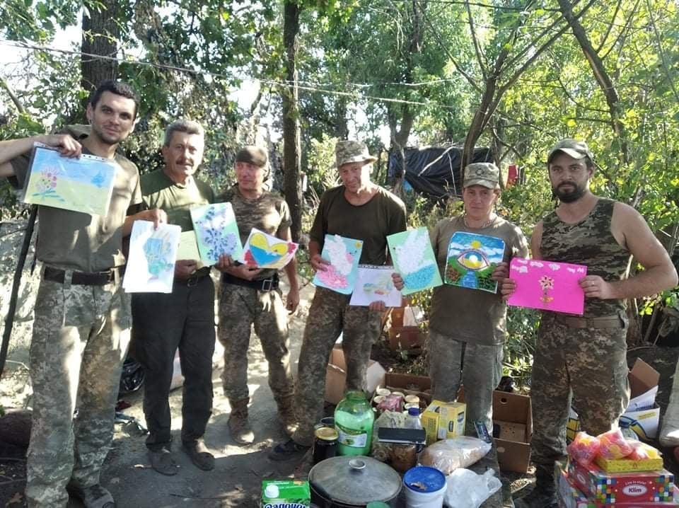 Бійці на передовій отримали благодійну допомогу та малюнки дітей з Ковеля