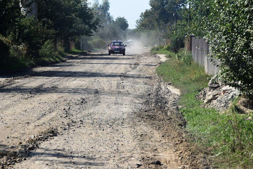 У Прилуцькому ремонтують дорогу