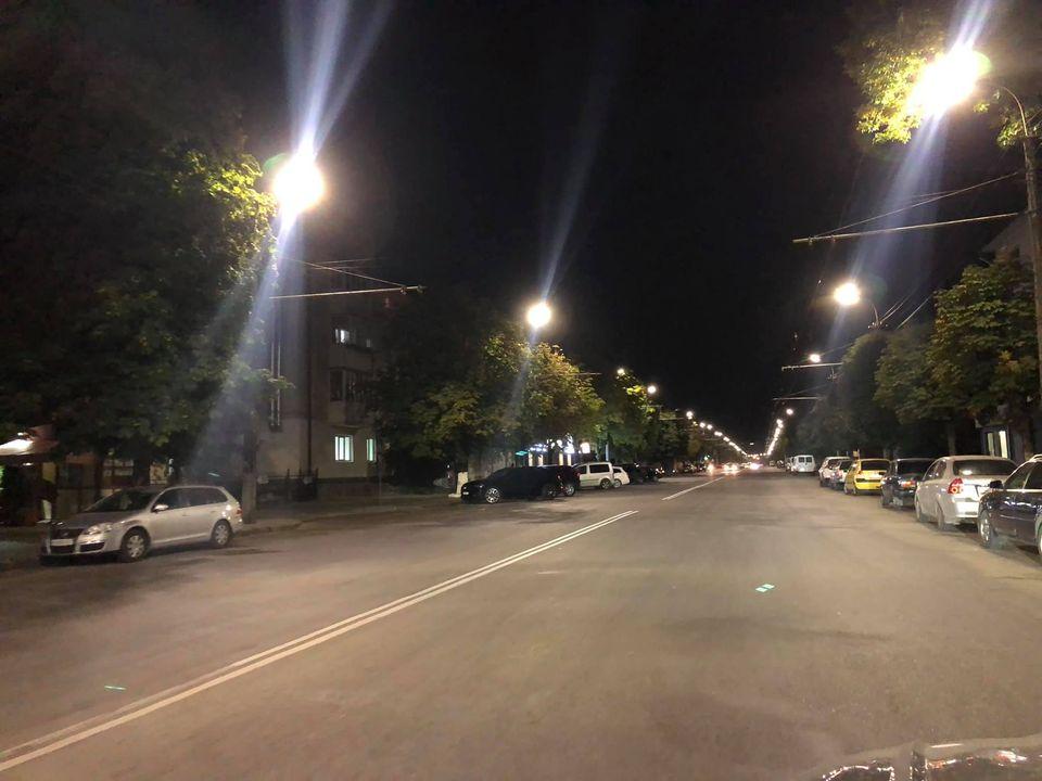 У Луцьку завершують облаштування LED-освітлення на одному з проспектів