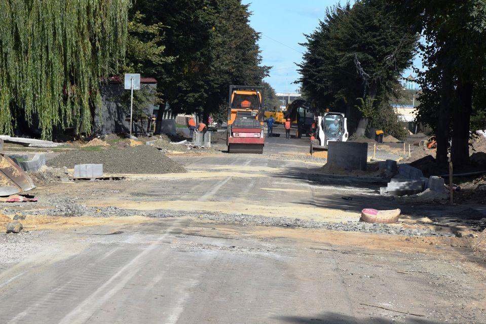 У Луцьку триває ремонт вулиць Ківерцівської та Надозерної