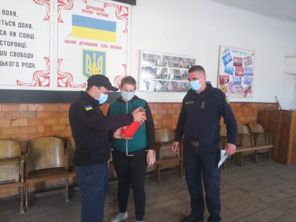 Волинські рятувальники дбають про пожежну безпеку виборчих дільниць