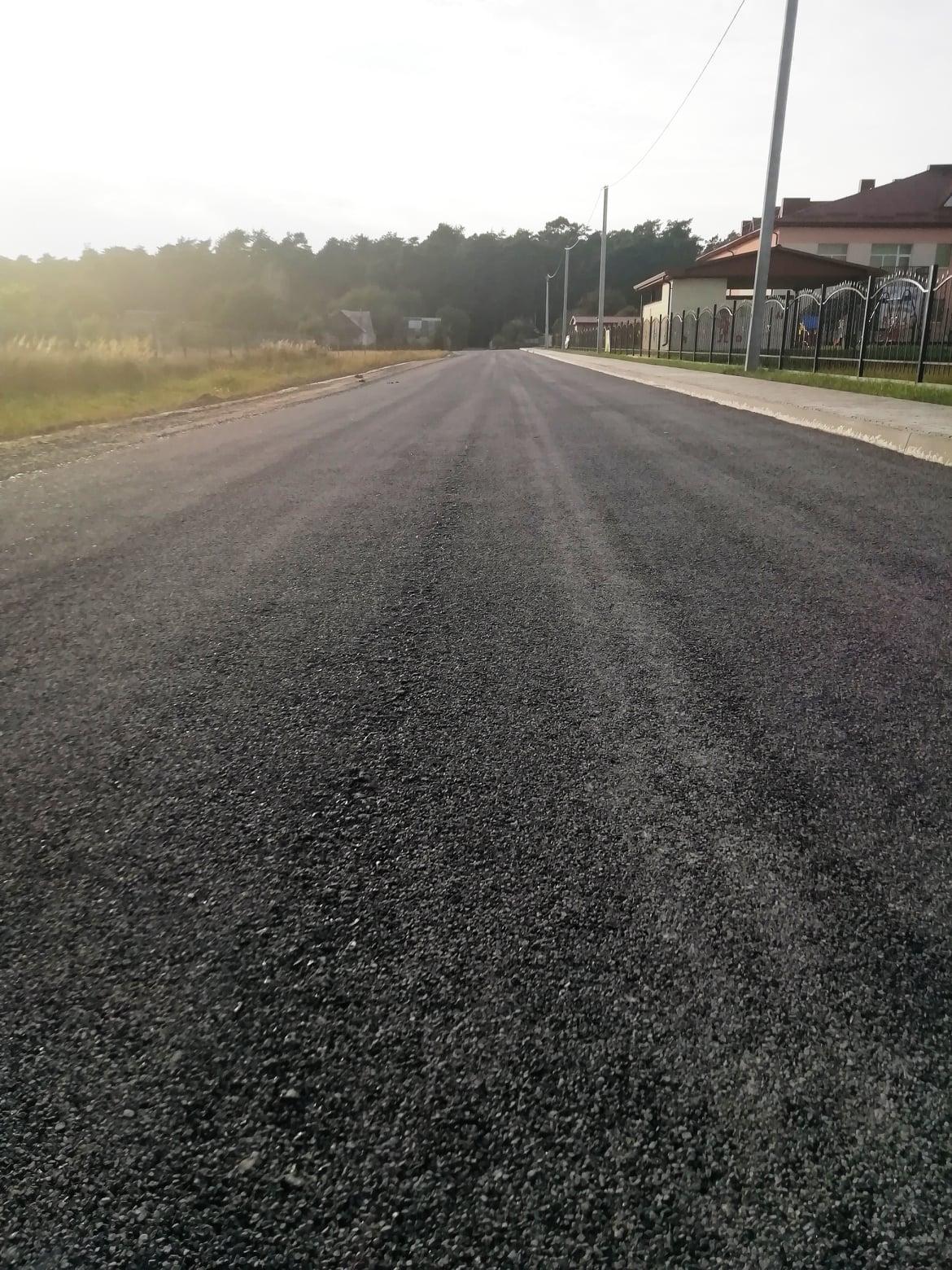Відремонтували дорогу у селі поблизу Луцька