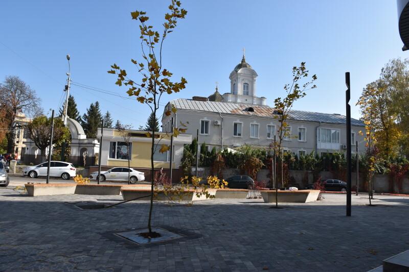 Сквер у центрі Луцька пропонують назвати Михайлівською площею