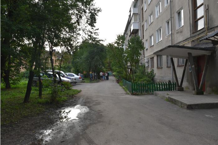 Прибудинкову територію на проспекті Перемоги у Луцьку обіцяють відремонтувати у 2021 році