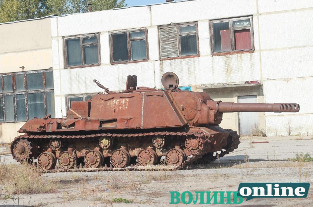Бронетехніка, вантажівки та роботи: яким може бути новий унікальний музей у Чорнобильській зоні