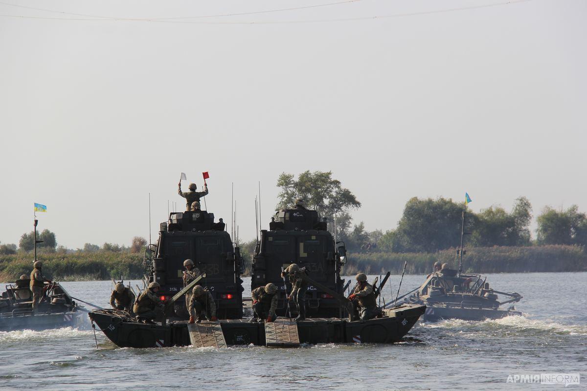 Українські та британські десантники форсували Дніпро