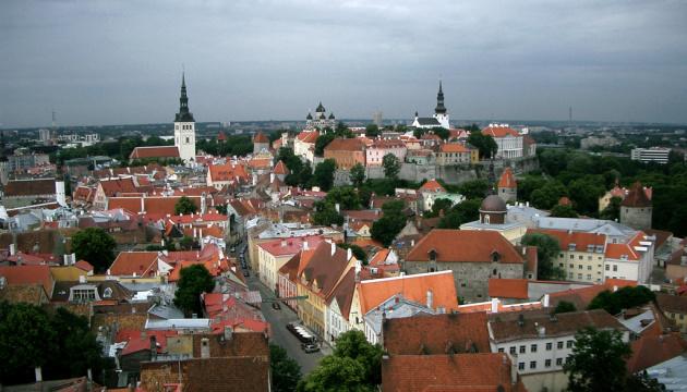 Естонія послаблює обмеження на прямі авіарейси до Європи