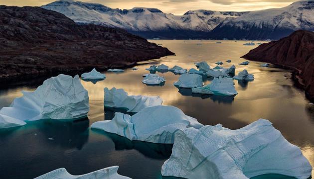 Від Гренландії відколовся величезний шматок криги