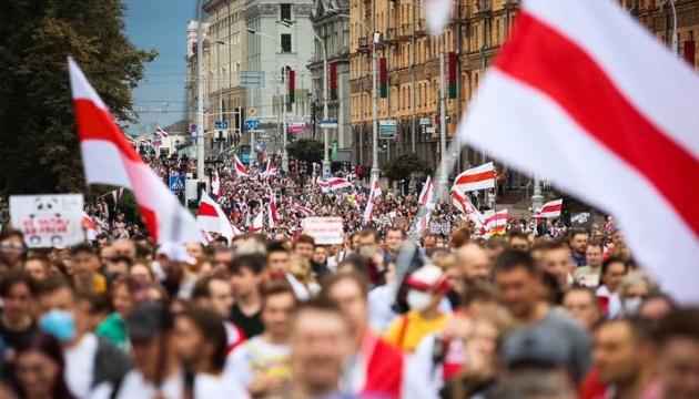 На «Марші героїв» у Мінську затримали близько 400 протестувальників