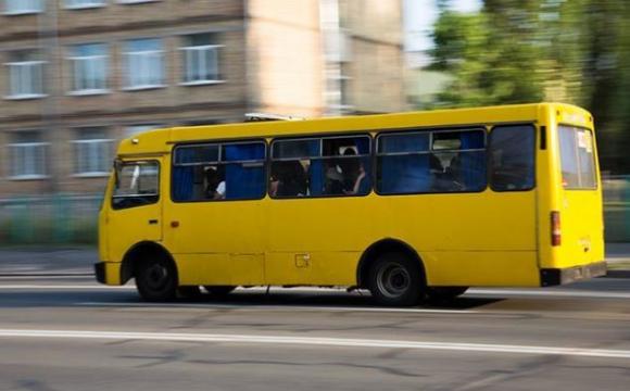 У Луцьку просять вирішити проблему обмеження кількості пасажирів маршруток