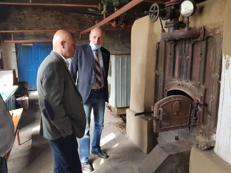 У Ківерцівській громаді тривають ремонтні роботи перед початком опалювального сезону