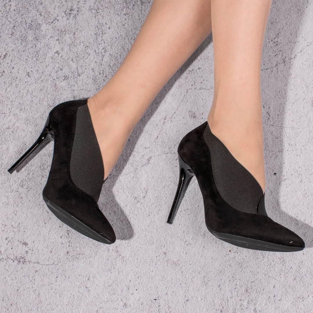 Найнебезпечніше та найшкідливіше взуття*