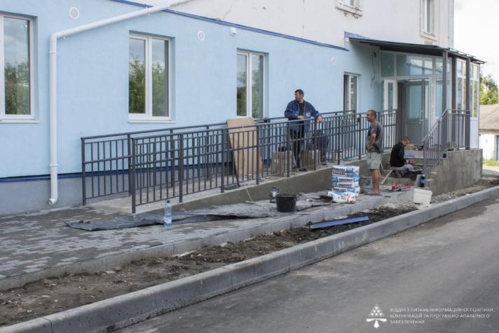 Роботи у амбулаторіях у Нововолинську та Благодатному планують завершити до кінця року