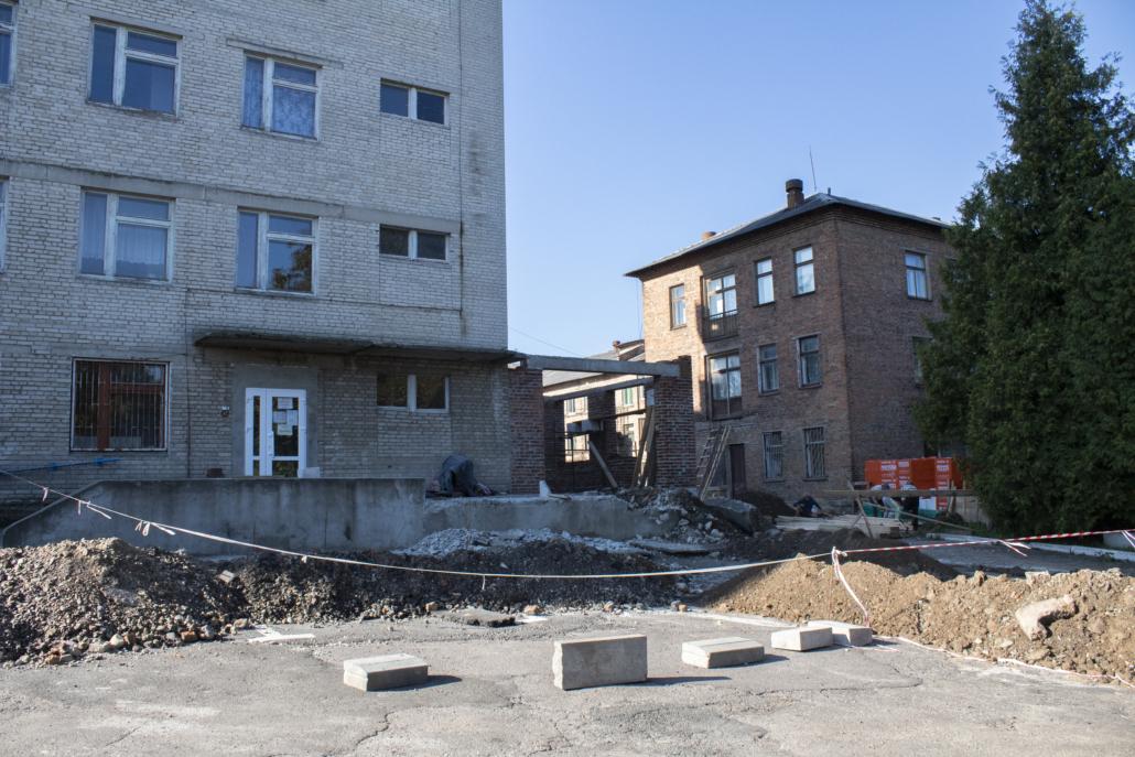 У Нововолинську триває ремонт приймального відділення центральної міської лікарні