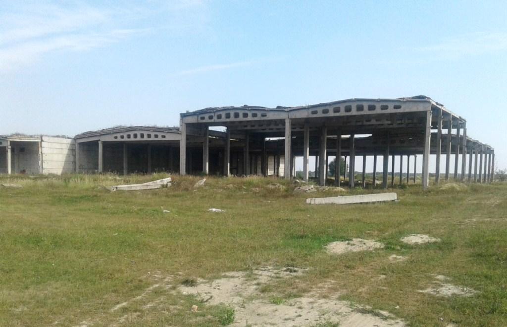 На Волині з аукціону продають недобудований завод