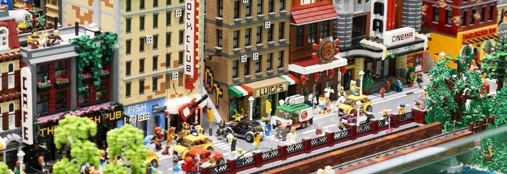 Конструктор «Lego City» – хороша іграшка для дитини і надійний помічник для вас*