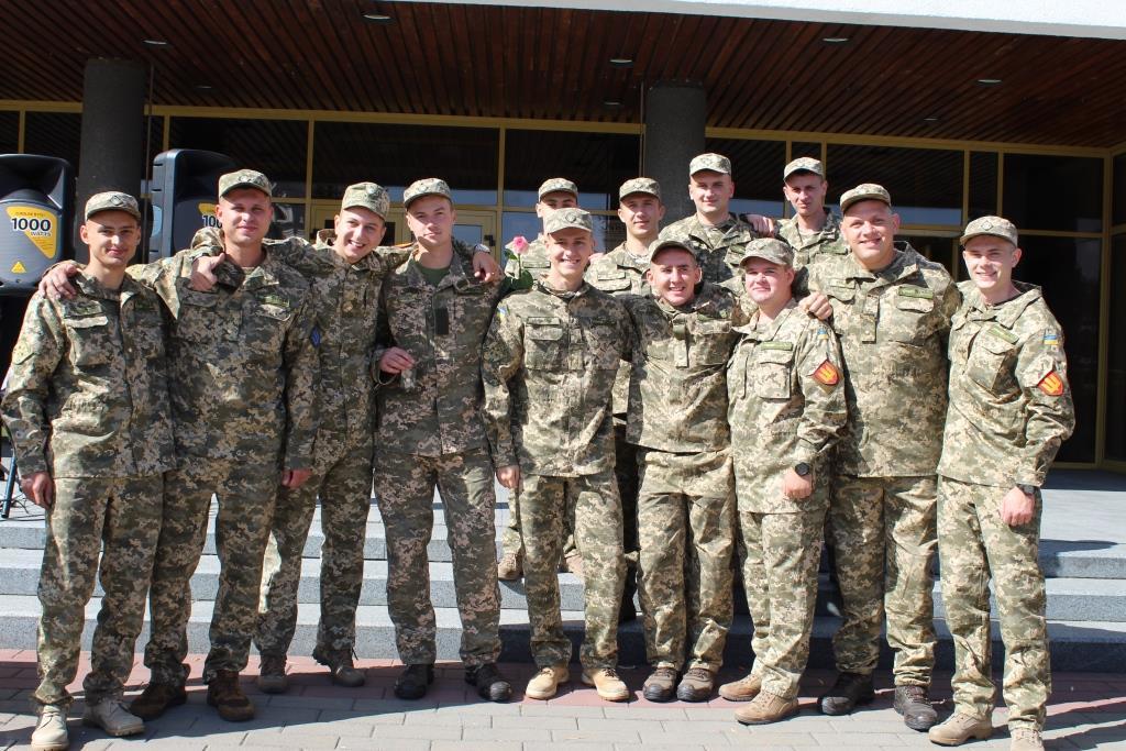 Випускники кафедри військової підготовки Луцького НТУ отримали офіцерські погони