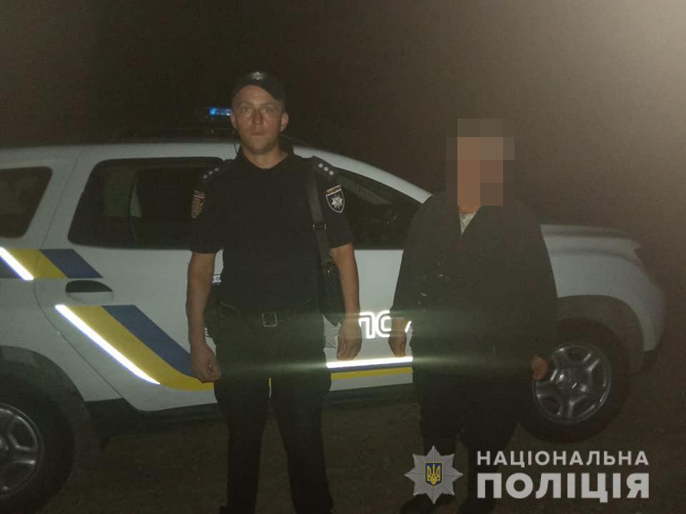 Поліцейські на Волині допомогли жінці поважного віку вибратися з болота