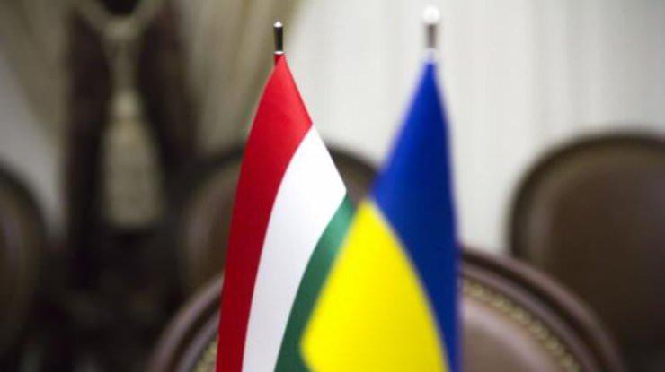 Україна та Угорщина домовилися про додаткові 900 транзитних дозволів для перевізників