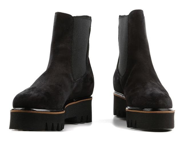 Якими повинні бути жіночі зимові черевики*