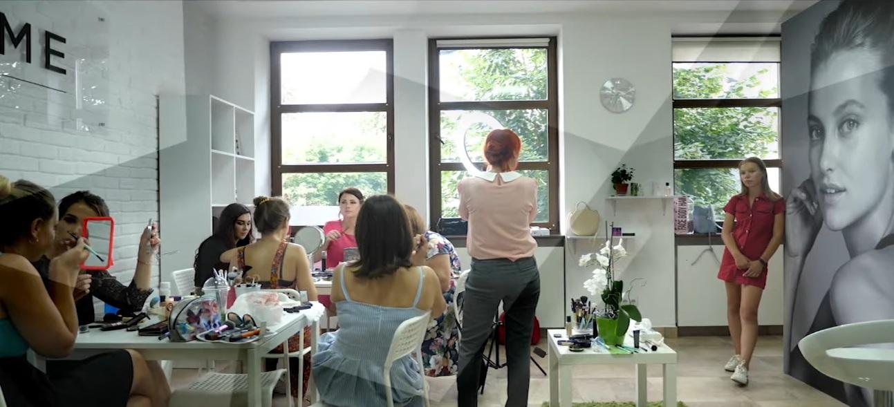 Візажисти громади: у Боратинській ОТГ презентували нове відео про унікальних особистостей