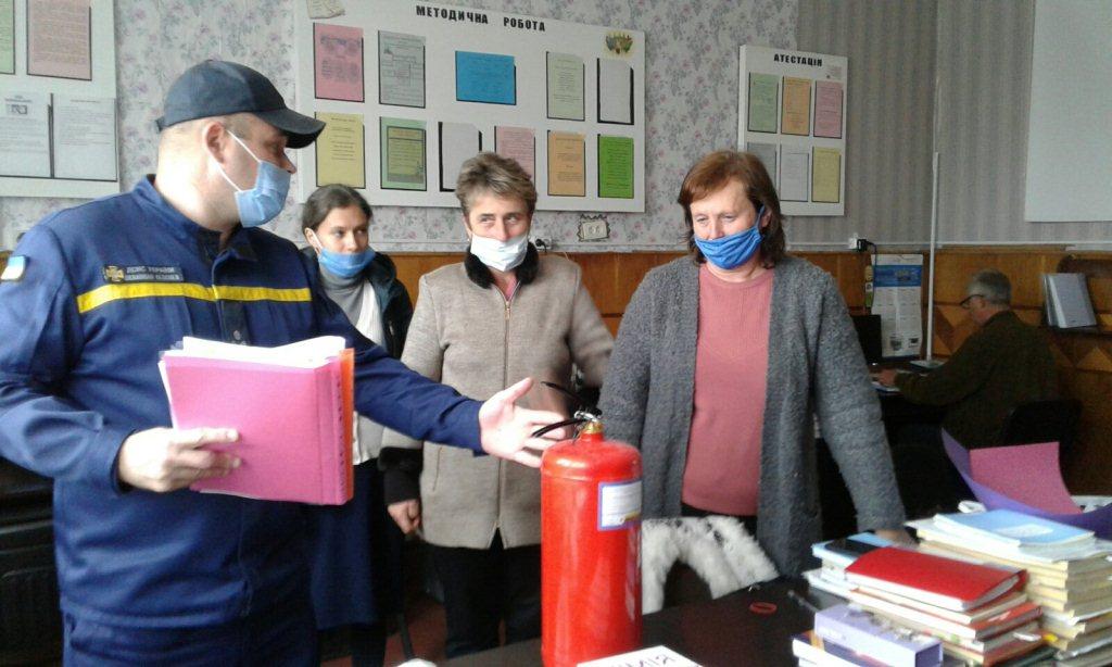 На Волині рятувальники перевіряють приміщення виборчих дільниць