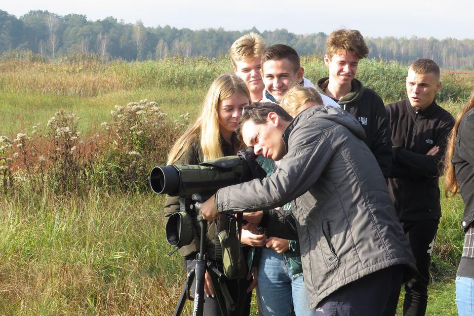 Луцькі школярі спостерігали за птахами у «Цуманській пущі»