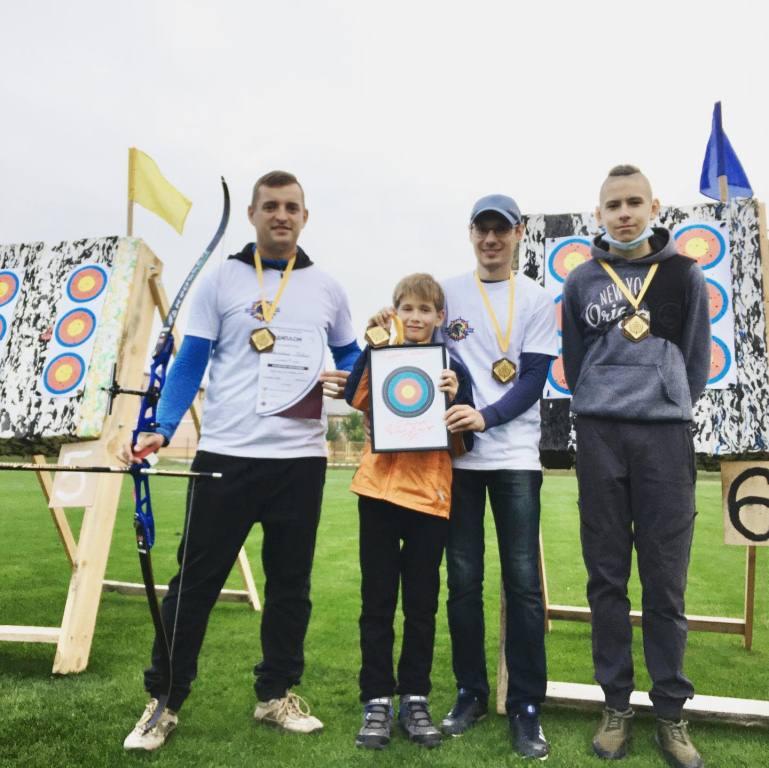 У громаді поблизу Луцька змагалися учасники першого чемпіонату області зі стрільби з лука