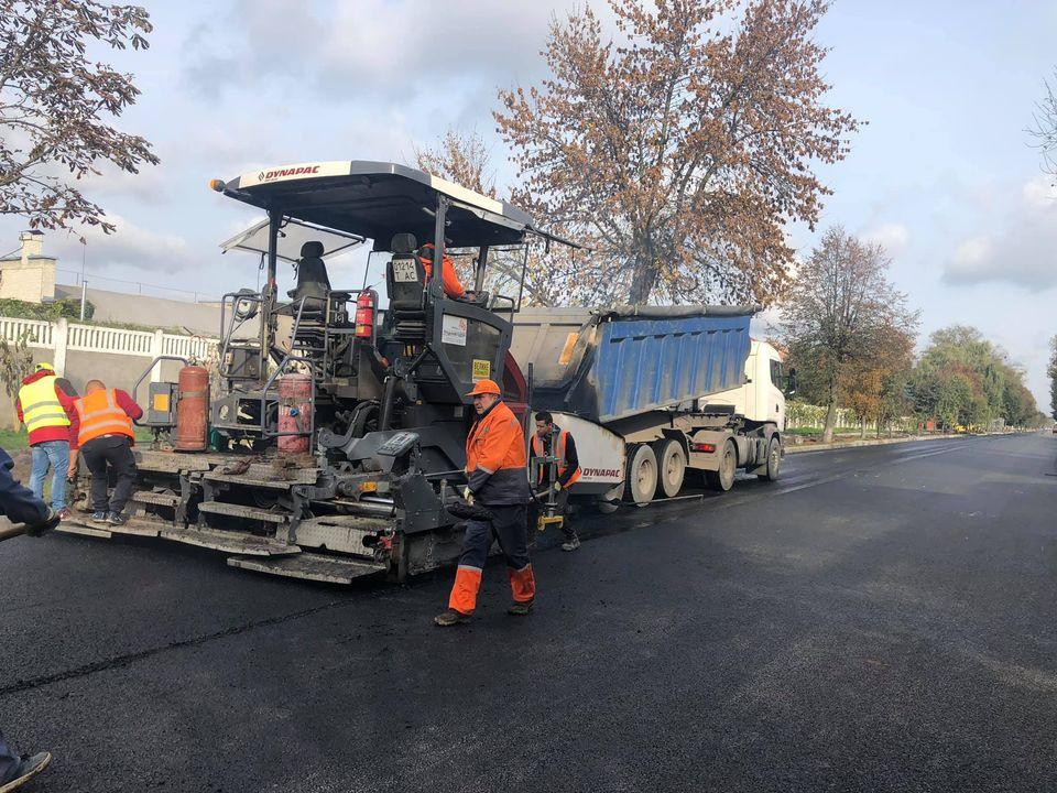 У Луцьку завершують ремонт вулиці Ківерцівської