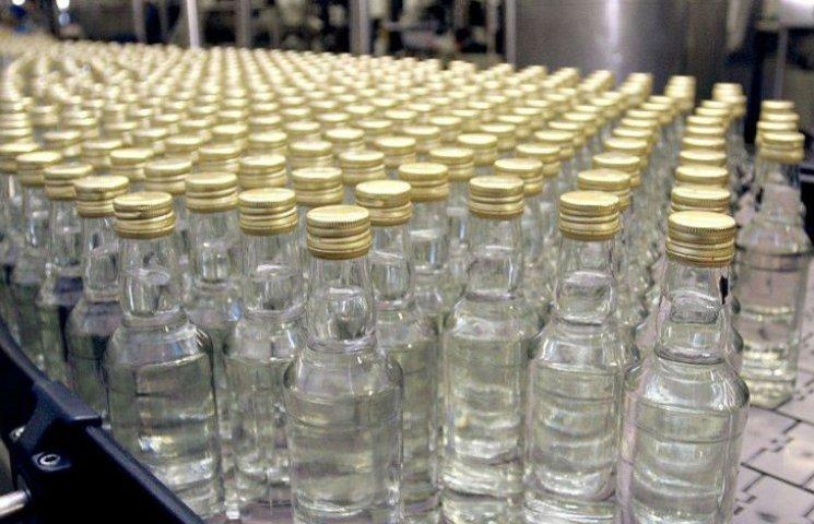 Волинян застерігають від споживання неякісних алкогольних напоїв і цигарок