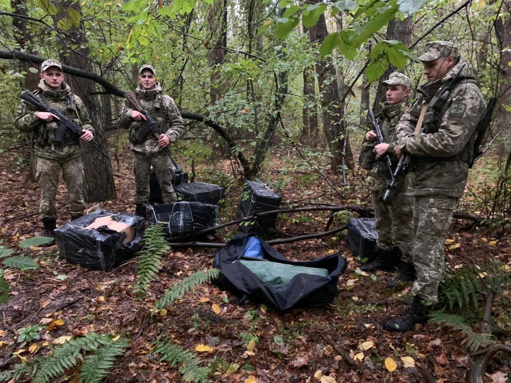 На Волині прикордонники завадили незаконному переміщенню тютюнових виробів до Польщі
