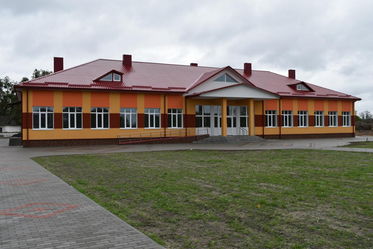 У Любешівському районі готують до відкриття реконструйовану школу