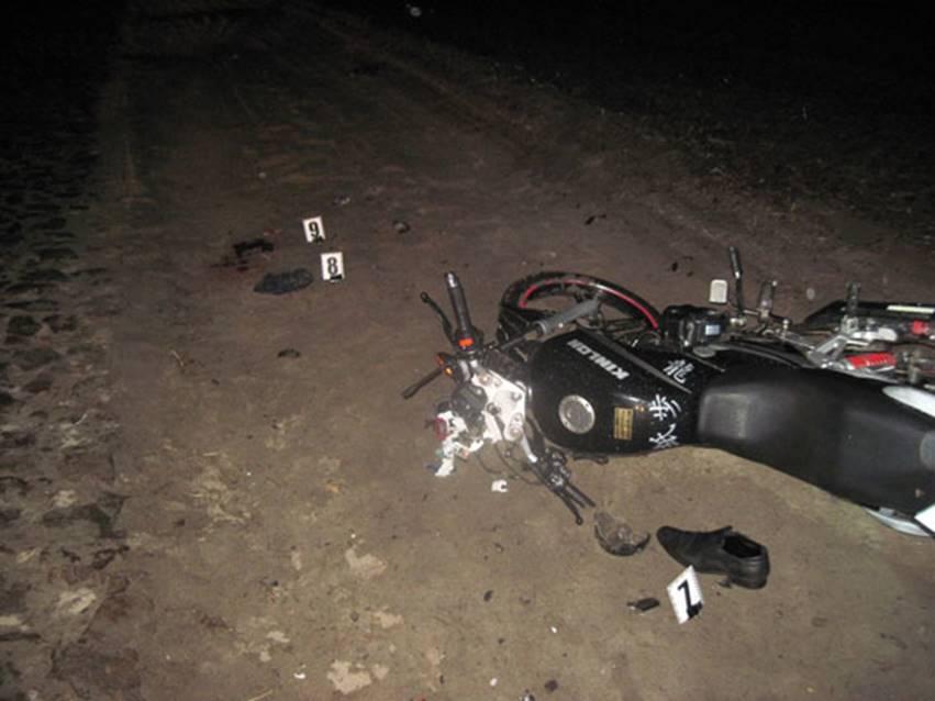 Мотоциклісту, який наїхав на дівчину у селі на Волині, повідомили про підозру