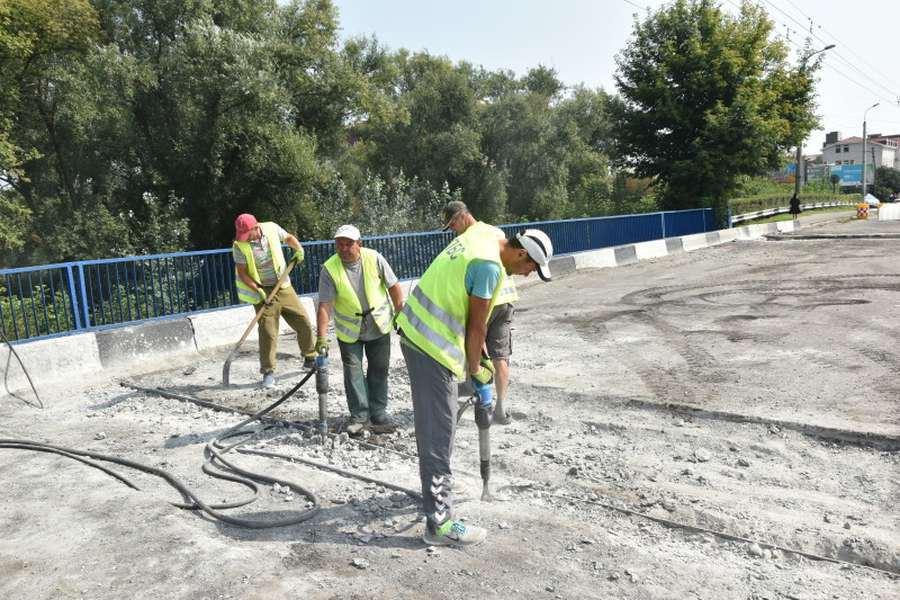 Під час технагляду за ремонтом мосту у Луцьку підприємство привласнило майже мільйон